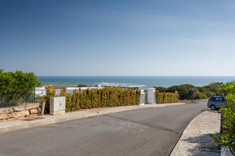 Ocean view plot with great build potential Vale do Lobo